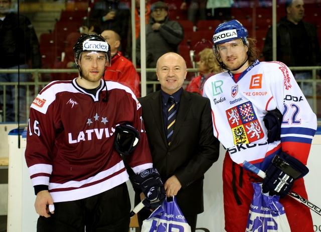 Nově vzniklé organizované hokejové mezinárodní soutěži mezi