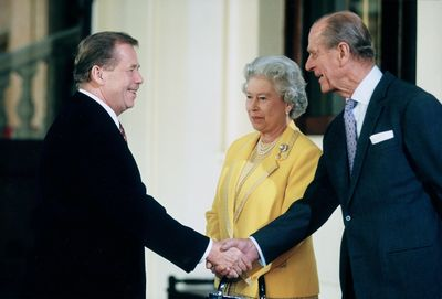 Vaclav Havel and the Queen