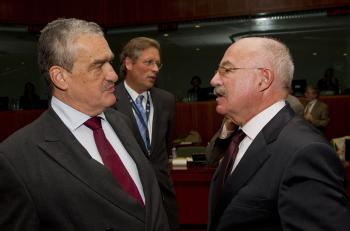Karel Schwarzenberg a János Martonyi (copyright European Council)