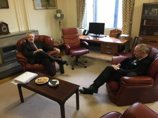 Jednání velvyslance Sečky s prvním ministrem Walesu Carwynem Jonesem