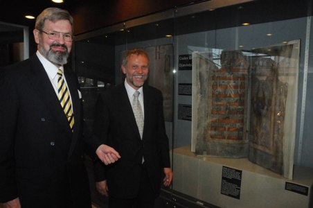 Exhibition of the Devil´s Bible. From left: Director of the Royal Library, Mr. Erland Kolding Nielsen, the Czech Ambassador to Denmark, Mr. Zdeněk Lyčka. Photo: Hasse Ferrold