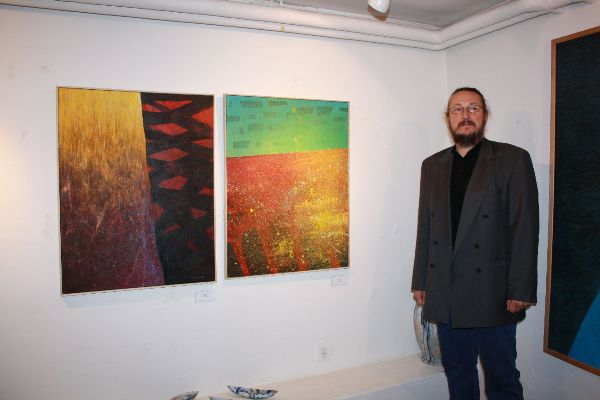 Jan Tichý with his works