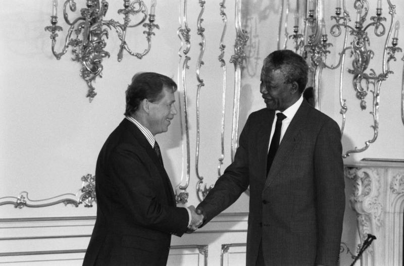vaclav_havel_a_and_nelson_mandela
