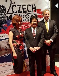 From the left: Koh Mei Lee, Chief Executive of Golden Screen Cinemas, Minister Joseph Kurup, Department of Prime Minister of Malaysia and Rudolf Hykl, Ambassador of the Czech Republic