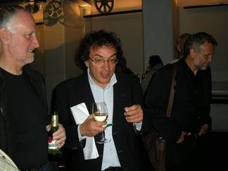Matej Mináč (i midten) sammen med Simon Hayman (til venstre) og den tjekkiske ambassadør Zdeněk Lyčka (til højre).
