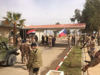 The Czech Army's Chief of Staff welcomed at the Iraqi command HQ of Ayn al-Asad Military Base