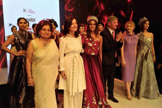 Fashion Designers And Glass Makers Captivated Mumbai Embassy Of The Czech Republic In New Delhi