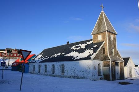 Den gamle kirke i Maniitsoq, hvor udstillingen er blevet installeret