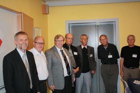 Ambassadør Z. Lyčka (tv) og Autoklubbens ledelse: S-A. Engel, P. Olsen (formand), U. Kofoed, A. Edelhard, G. Ljungberg, J. O. Larsen