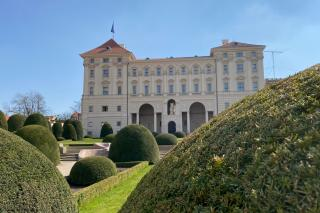 www.mzv.cz